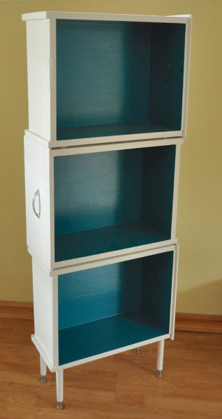 diy-bookcase-flip